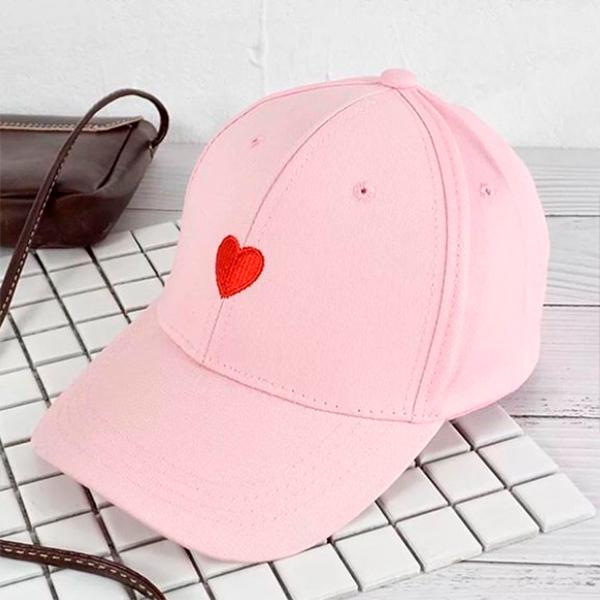 Кепка розовая с вышивкой