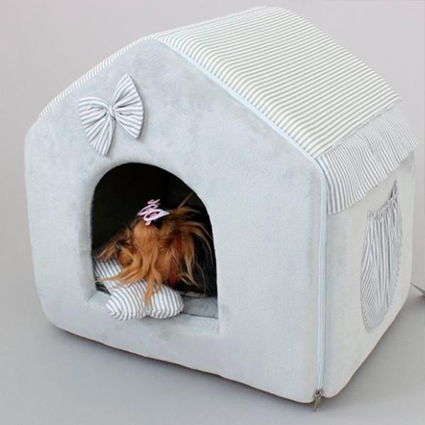 Домик для собаки или кошки с вышивкой
